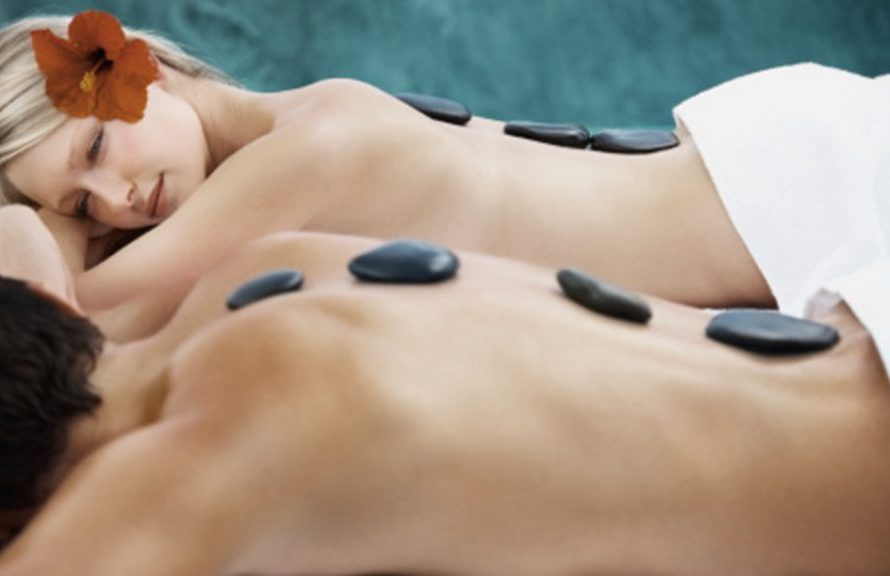 Important Benefits offered by Hot Stone Massage Therapy