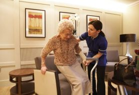 Top 6 Things to Consider While Choosing an Assisted Living Facility